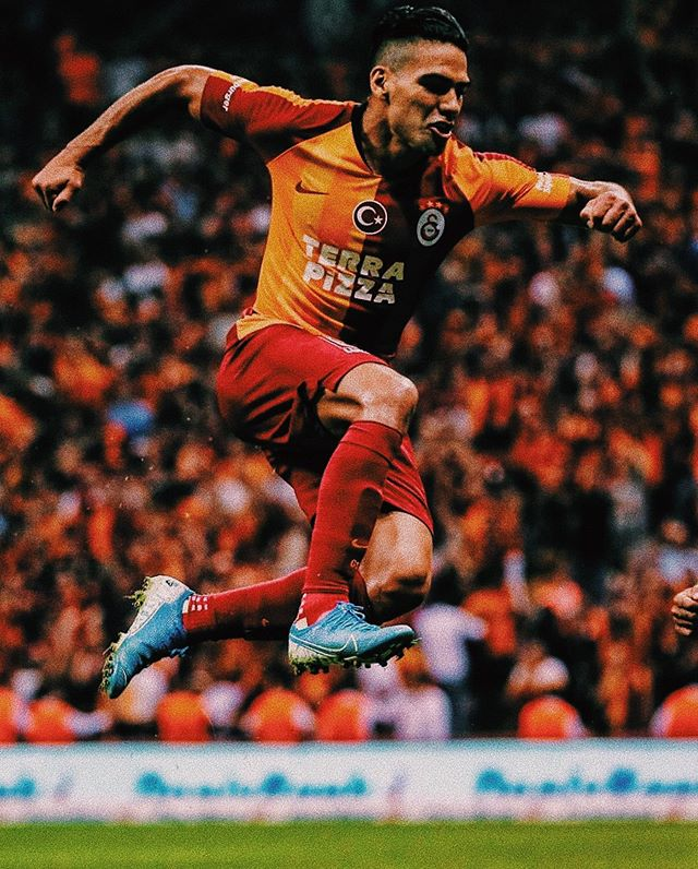 """Congrats to Radamel """"El Tigre"""" Falcao who scored on his debut for @galatasaray in 1-0 win against @kasimpasask. The Columbian legend is already a fan favorite after his free transfer from AS Monaco, receiving a hero's welcome from the fans during his unveiling. With other notable summer transfer window additions such as Ryan Babel, Jean-Michael Seri, Mario Lemina, and Steven Nzonzi, gaffer Fatih Terim will be expecting to win back to back Süper Lig titles."""