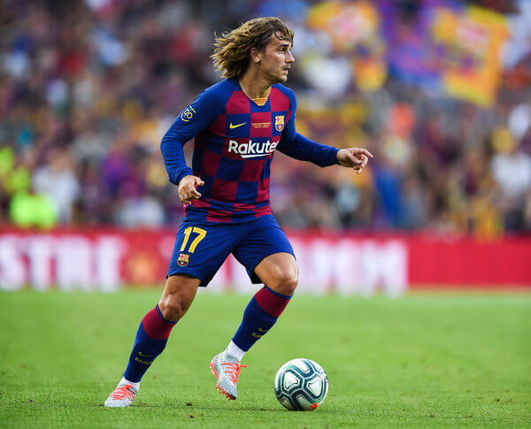 Antoine Griezmann of FC Barcelona runs with the ball during the Joan Gamper trophy friendly match between FC Barcelona and Arsenal at Nou Camp on August 04, 2019 in Barcelona, Spain.  (Aug. 3, 2019 - Source: Getty Images Europe)