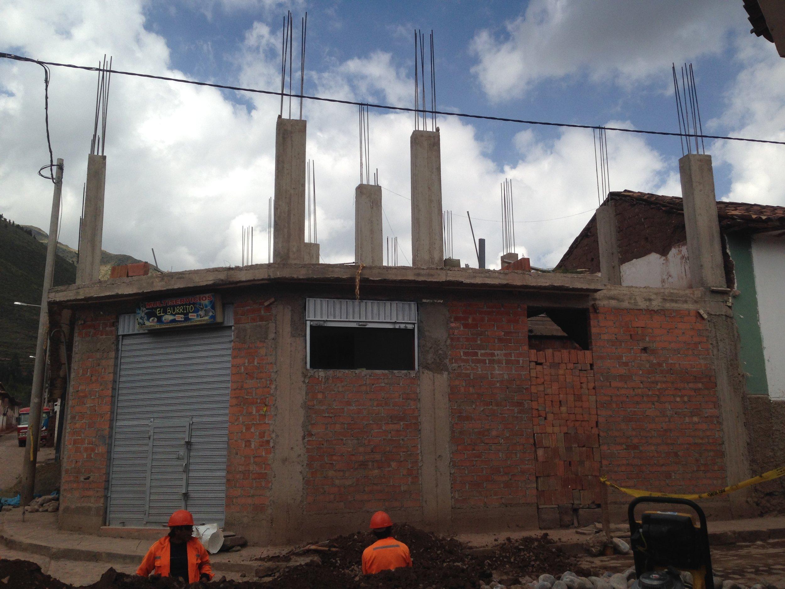 PER AndahuaylillasNewConstruction3_2014.jpg