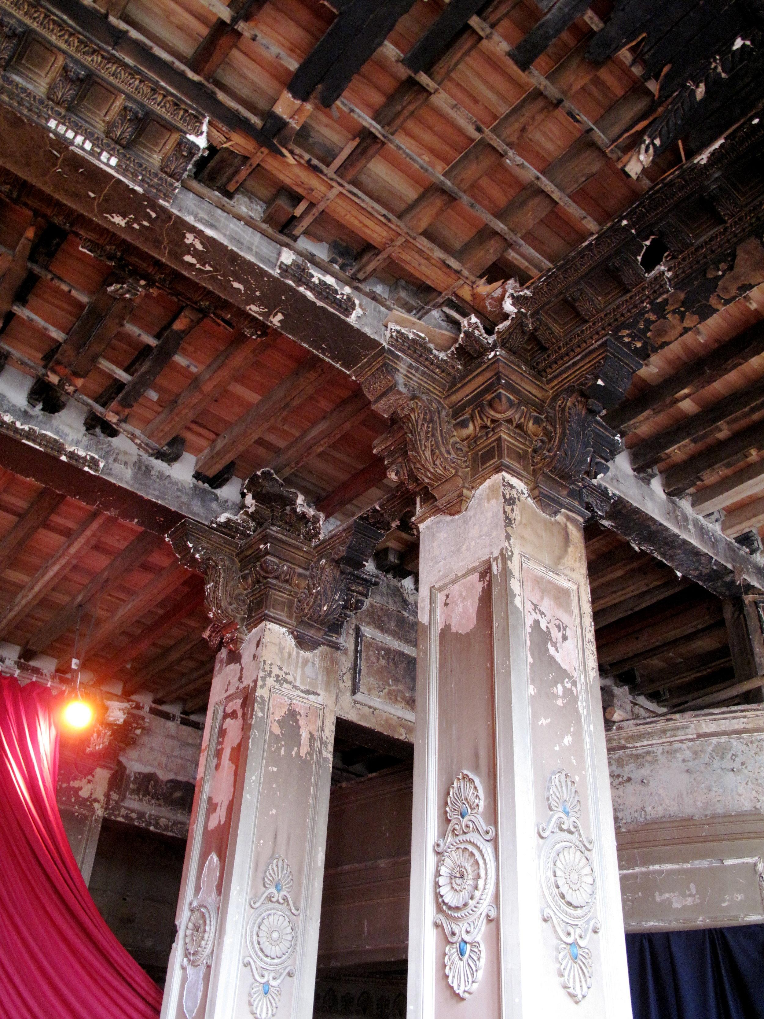 ECUADOR - Teatro Bolivar