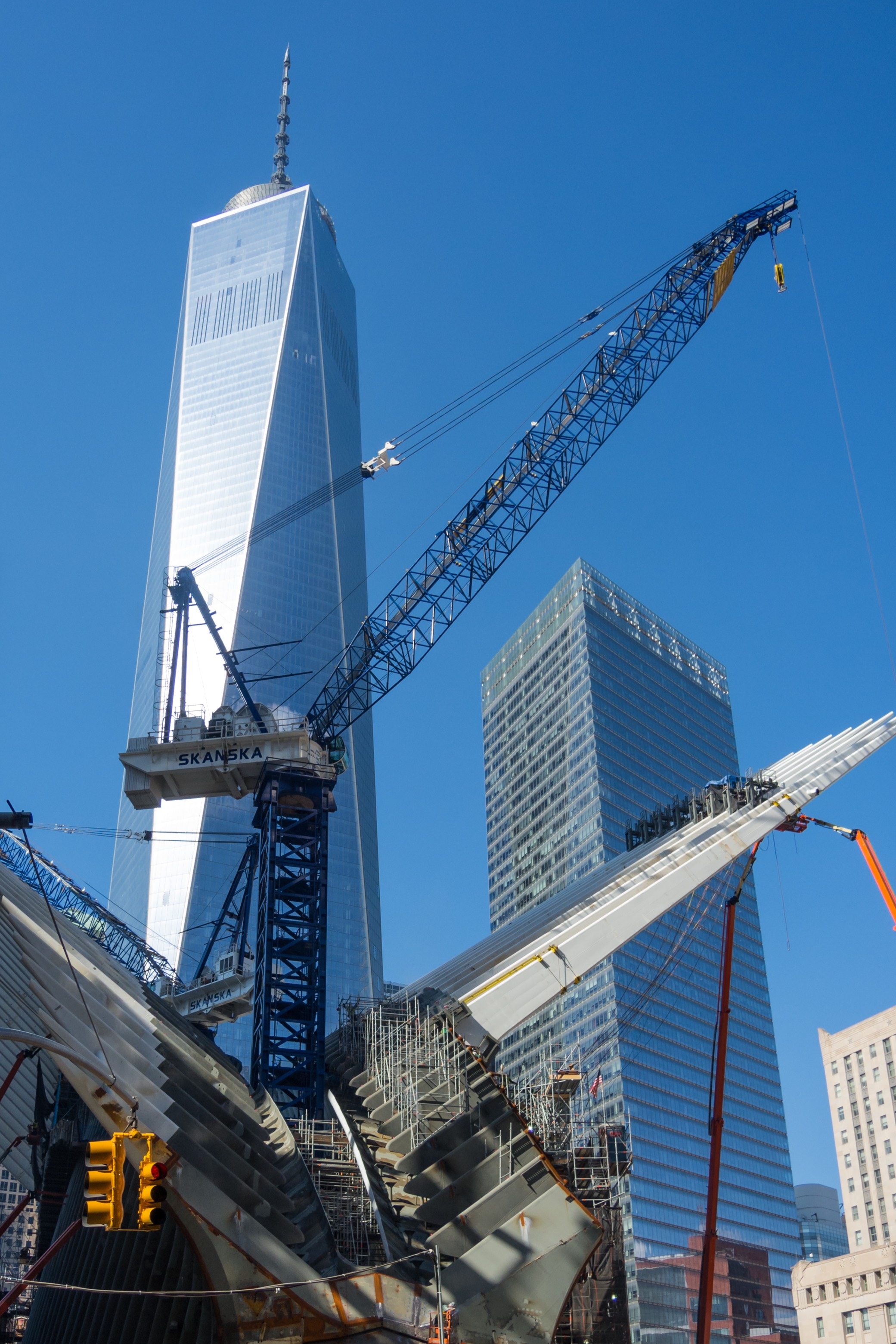 Construction-sight-crane-Westfield-World-Trade-Center-Manhattan-New-York-682703052_2081x3122-squashed.jpeg