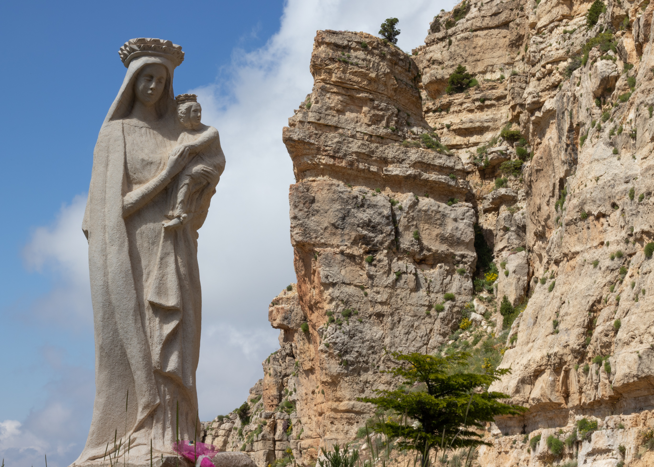 Saydet El Arn Statue