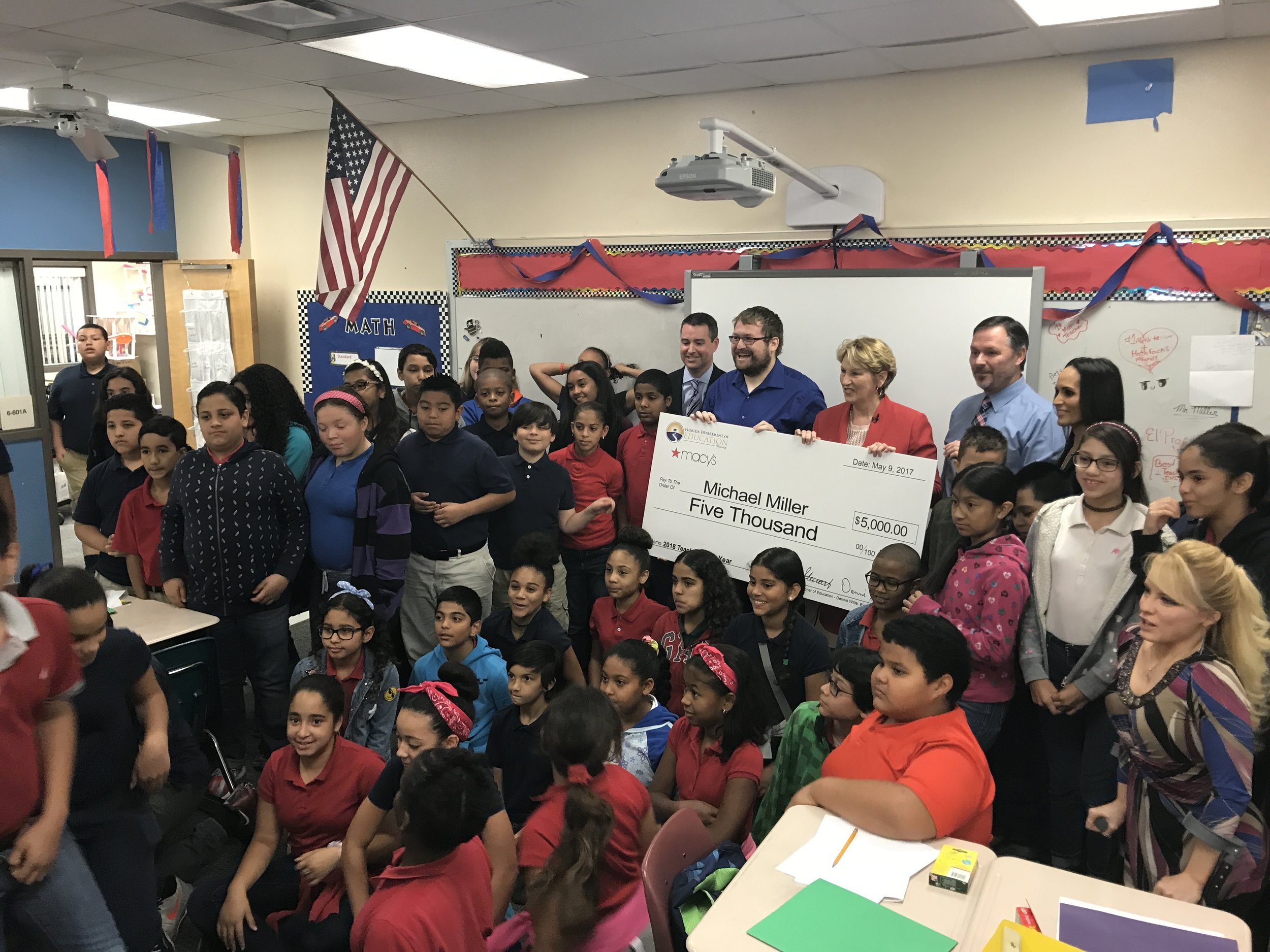 Osceola Elementary School Teacher Named Teacher of the Year Finalist and Receives $5,000 from Macy's and the Florida Department of Education