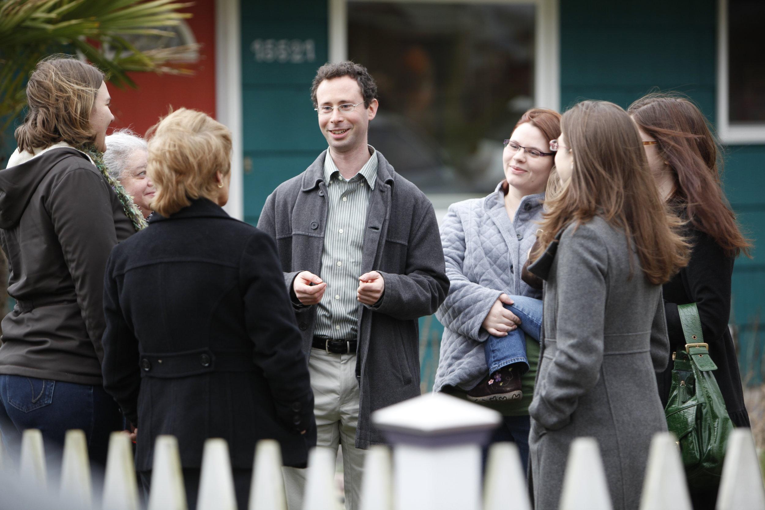 jesse-salomon-with-women-voters.jpg