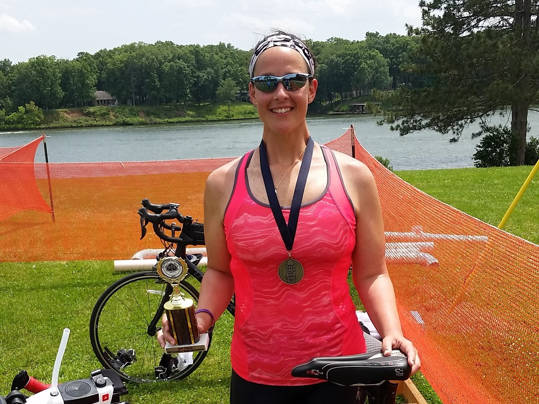 As an accomplished long distance runner and running coach, Sarah Moss uses her active lifestyle to connect physical and mental health by sharing her personal victories on and off the race course, and encouraging fellow runners to find inspiration and hope regardless of challenges.  One of the qualities that makes Sarah so inspirational is her willingness to be open about the things she has gone through. Despite the many accomplishments she's earned, she is no stranger to mental health challenges. During her pursuit to get in shape she lost 60+ pounds, however she describes the weight loss as a physical and mental challenge to maintain.   Team Thrive