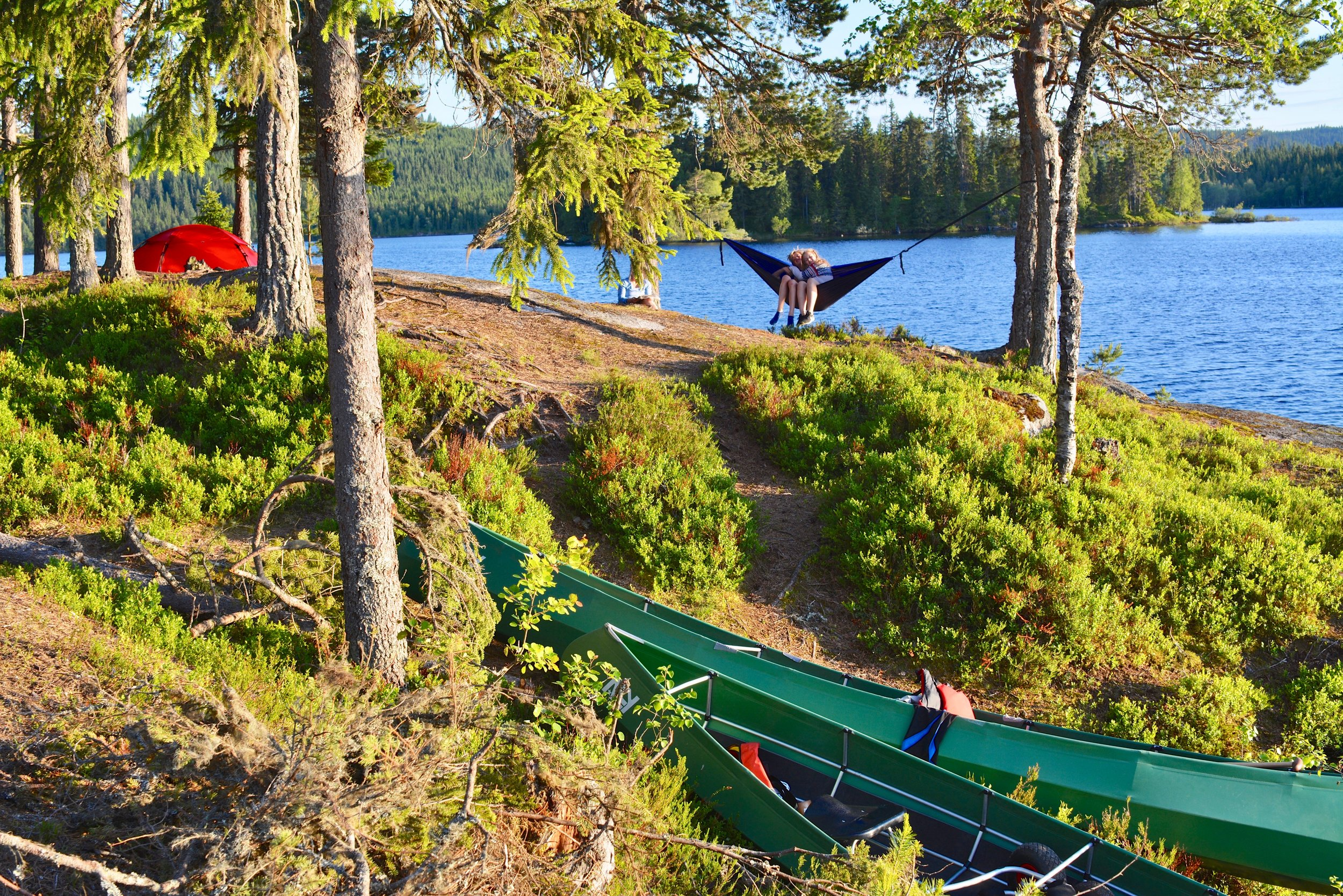 Camp at Lake Katnosa in Nordmarka during Nordmarka Classic Expedition.   (Photo: Oslo Outdoor)