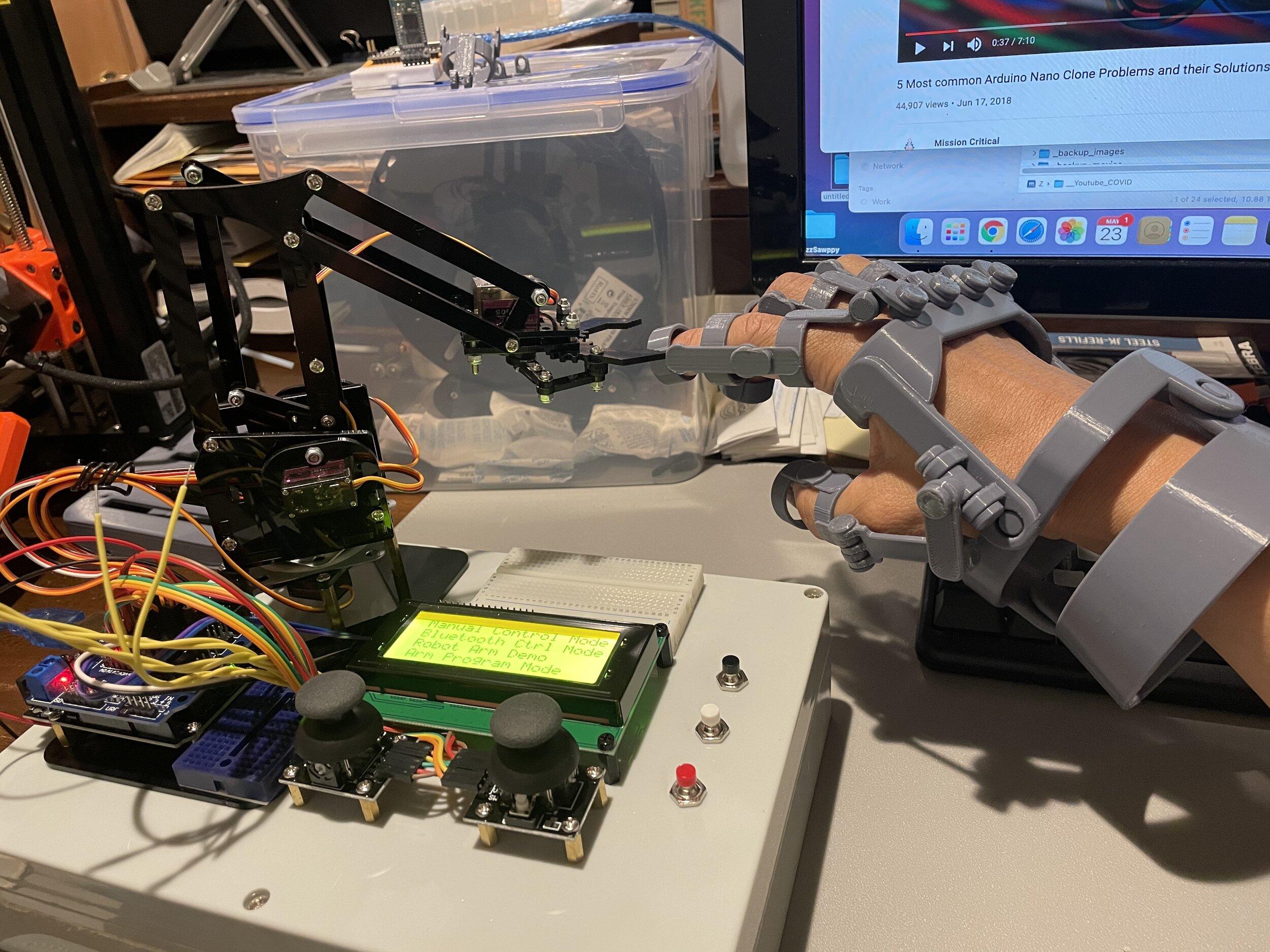 Robot Arm — Blog High Tech — TECHNOLOGY x20