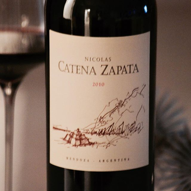 An Argentine wine for an Argentinian guy. Happy B- day @andysinc !  Nicolas Catena Zapata 2010 #bodegacatenazapata #vinoargentino #alejandrovigil