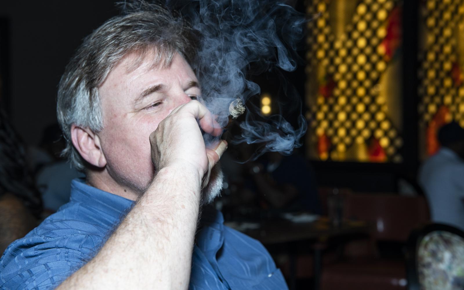 Burn-atlanta-cigar-7810.jpg