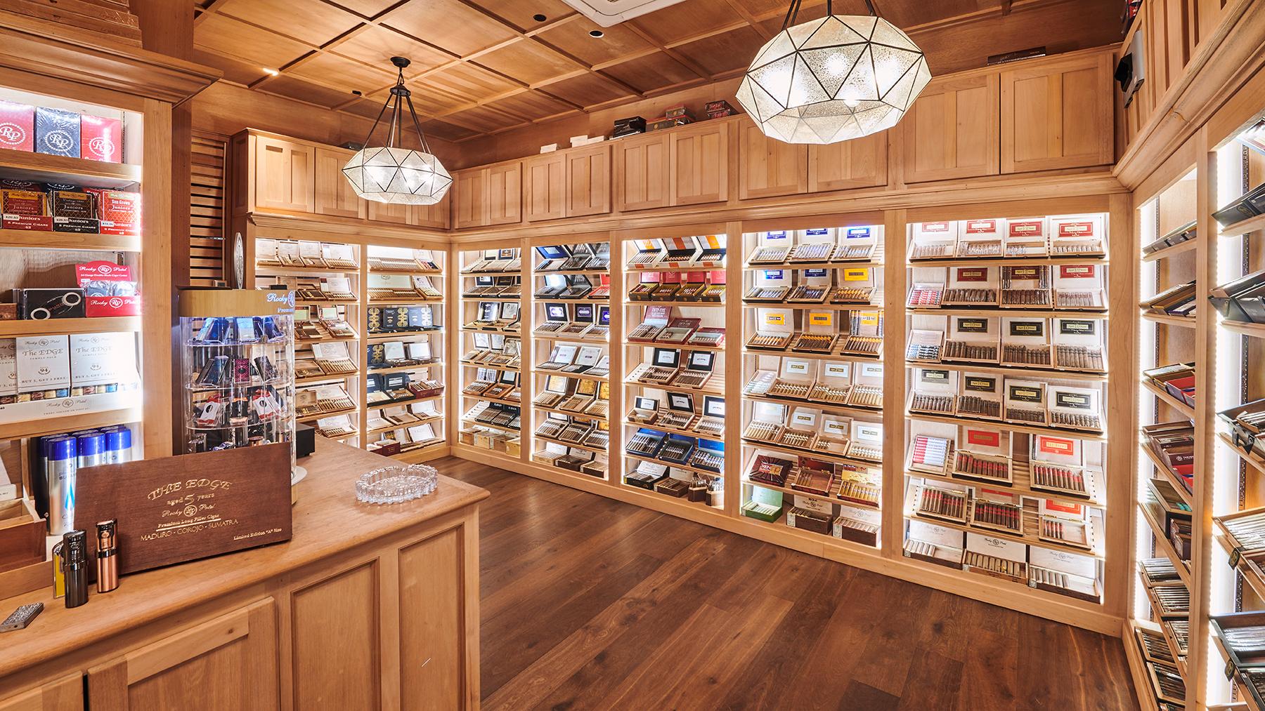 Cigar-Bar-Burn-Rocky-Patel.jpg