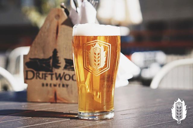 Fat Tug Ahoy! From @driftwoodbrewery comes an IPA Brewed with the hop aficionado in mind, Fat Tug is a Northwest-style India Pale Ale with an intense hop profile featuring notes of grapefruit, mango, melon and passionfruit. It's a hop lover's dream come true!⠀ .⠀ We've got the pleasure of having @driftwoodbrewery with us for a Tap Takeover on Thursday night, so be sure to come out for an evening of Fat Tug and many more tasty brews. Thursday 5-11PM.⠀ .⠀ 📸@kootenaycreations⠀ .⠀ .⠀ .⠀ .⠀ .⠀ .⠀ .⠀ .⠀ .⠀ #fhkt2018 #heritage #restoration #gastropub #cranbrook #cranbrookbc #downtowncranbrook #explorecranbrook #kootenays #kootenaylife #britishcolumbia #tapintothekootenays #eatlocal #history #microbrew #taphouse #bar #craftbeer #brick #firehall #patio #patioseason #taptakeover #fhontap #ipa #fattug #hops #beer ⠀ ⠀