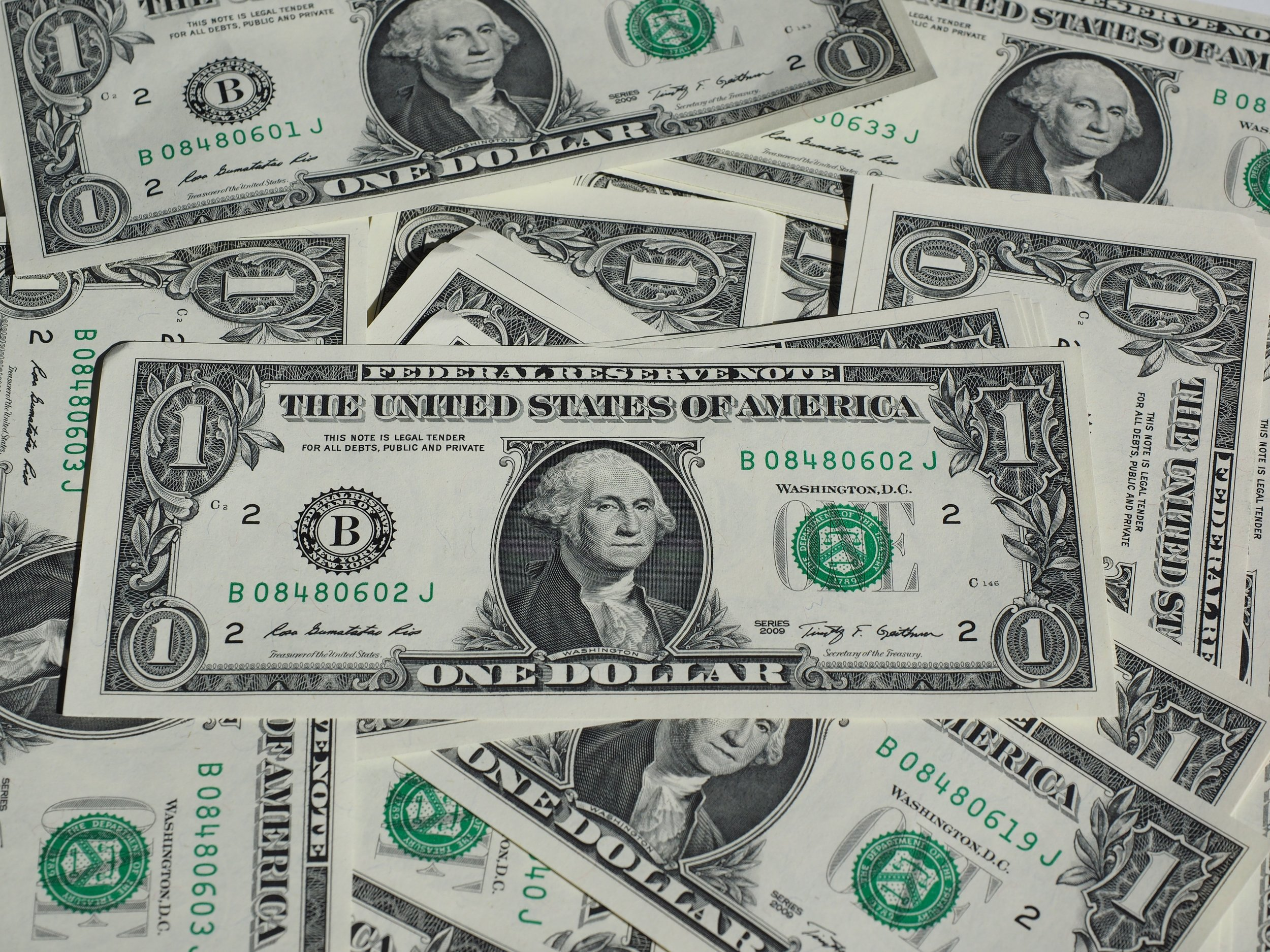 bank-notes-bills-cash-259191.jpg