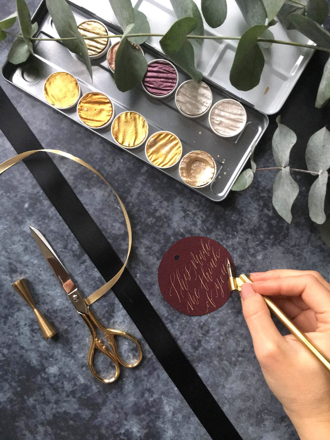 luxury-calligraphy-gift-tags.jpg