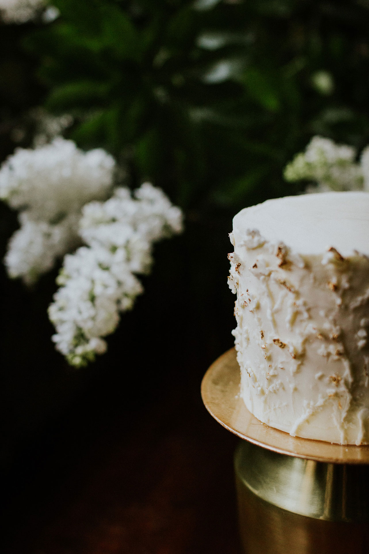 Beautifully textured buttercream with elegant touches of gold.