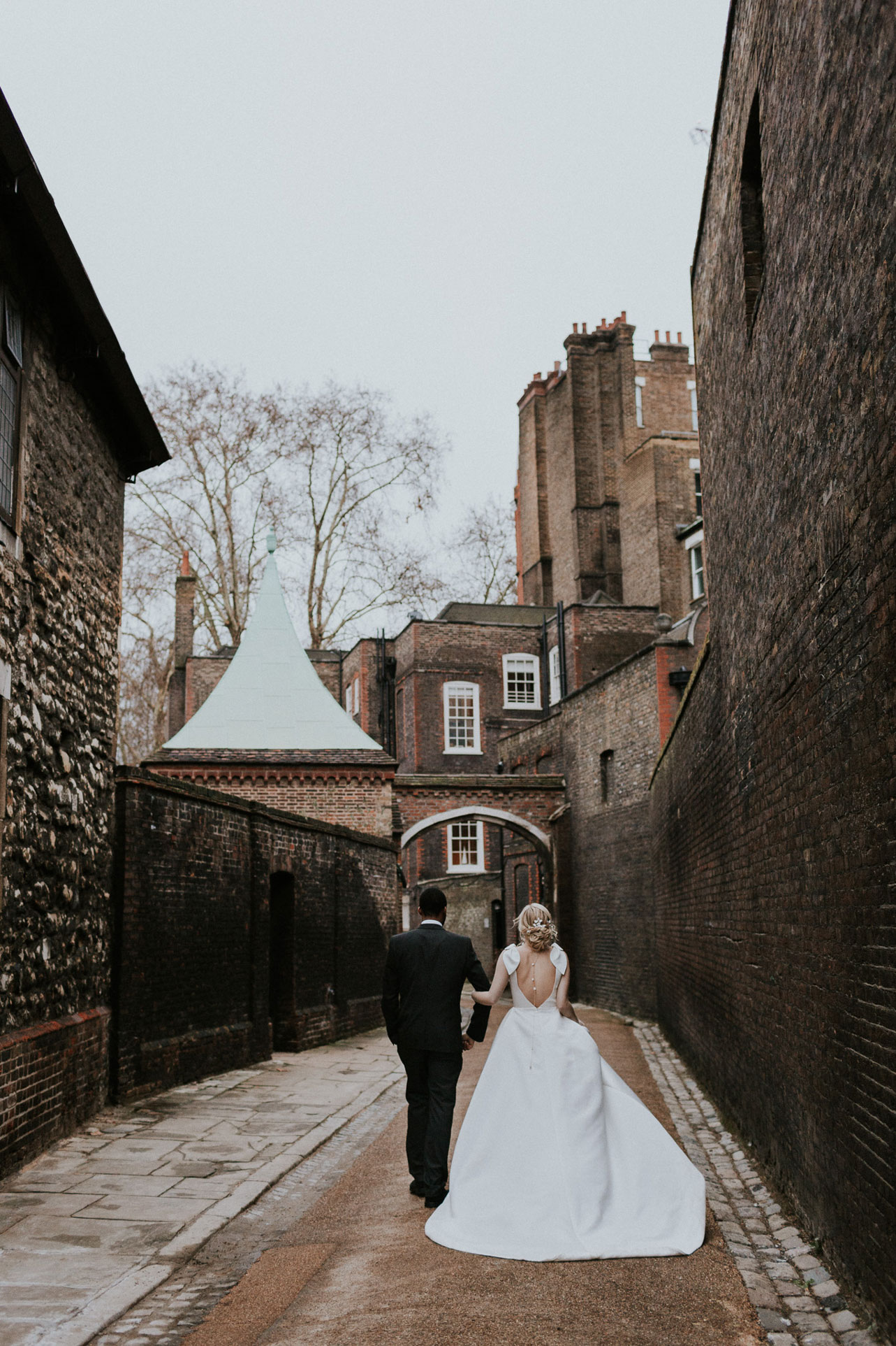 CharterHouse-historic-londong-wedding-venue-jesus-peiro-dress-6.jpg