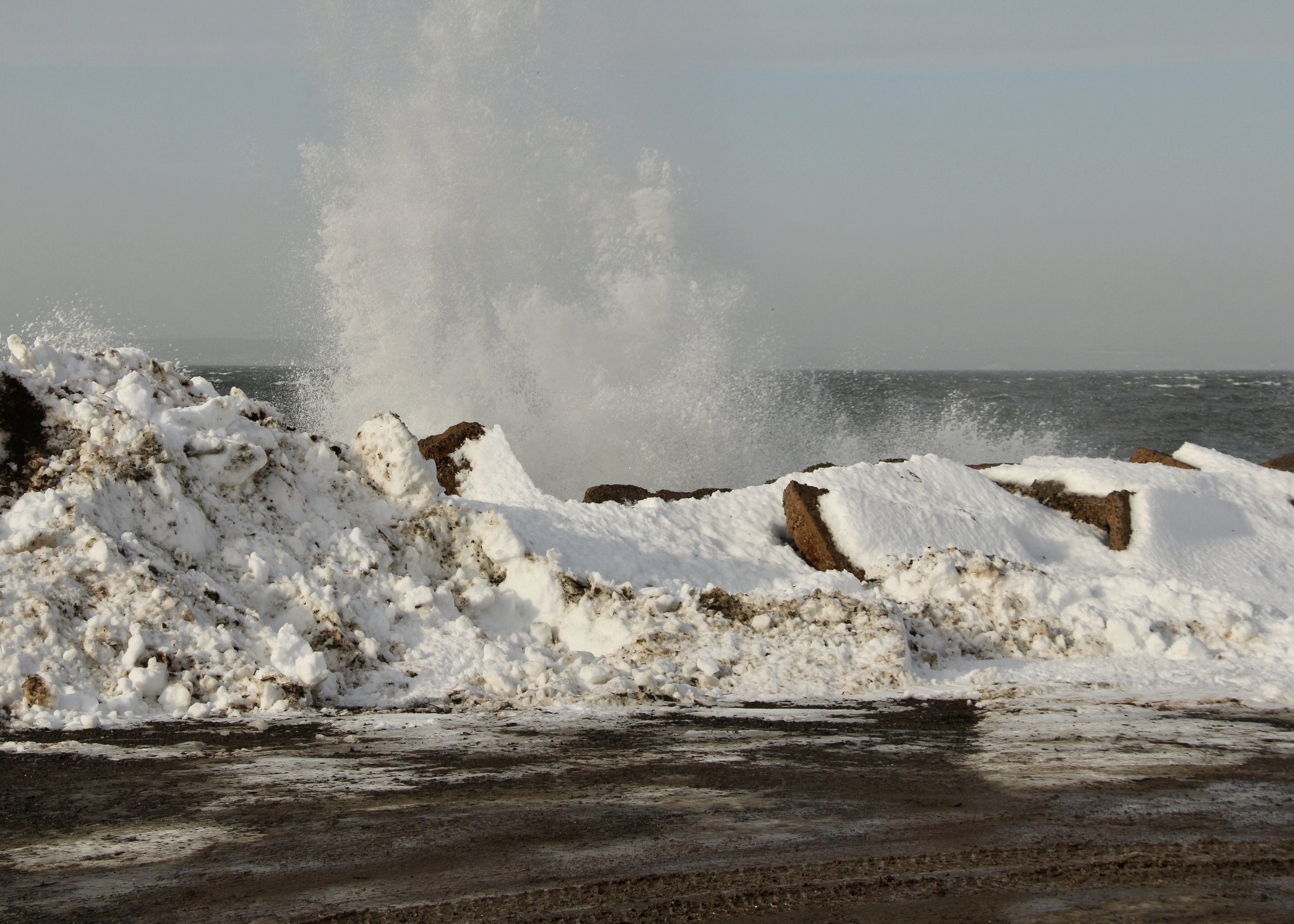 Sea spray at Hall's Harbour