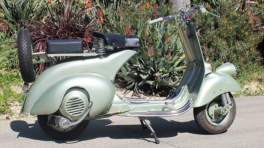 1950 VESPA ROD MODEL (IC-120) - The rod model Vespas are special scooters. In the early years, Piaggio was still refining their design.This is one of the last of the early scooters with the rod linkage system used on the very early models.