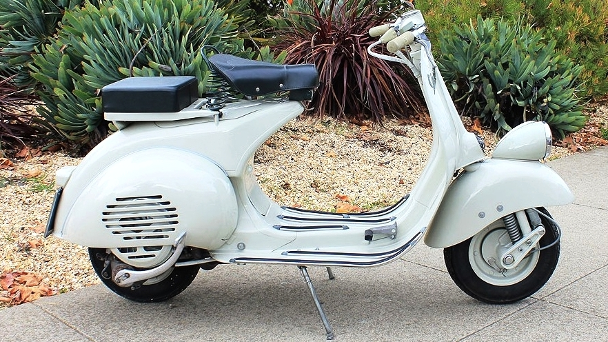 1957 VESPA FARO BASSO (IC-123) - This scooter is like a time warp. It feels like buying a new 50's scooter. If you have been looking for a 50's Vespa, this is a serious contender.