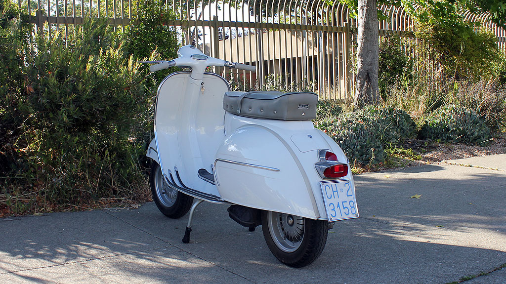 IC-225_1962_Vespa_GS160-3.jpg
