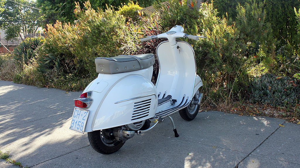 IC-225_1962_Vespa_GS160-4.jpg
