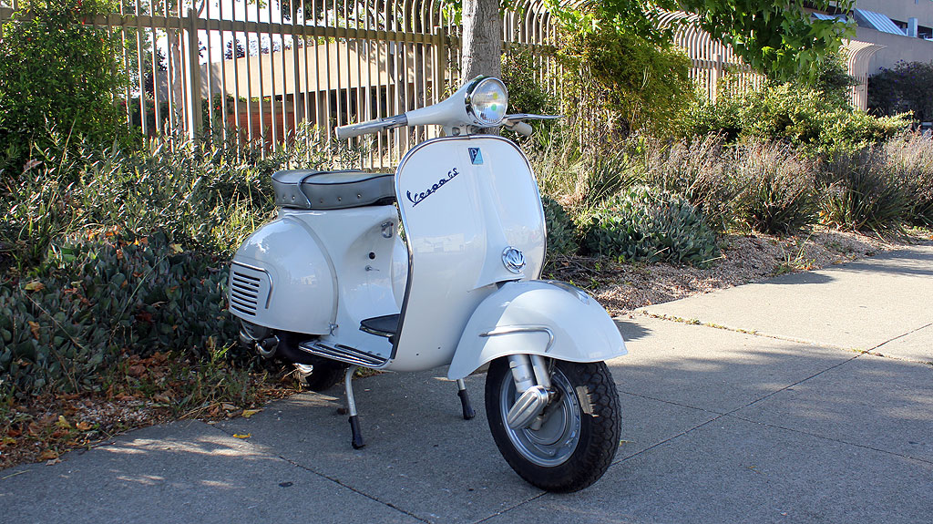 IC-225_1962_Vespa_GS160-7.jpg