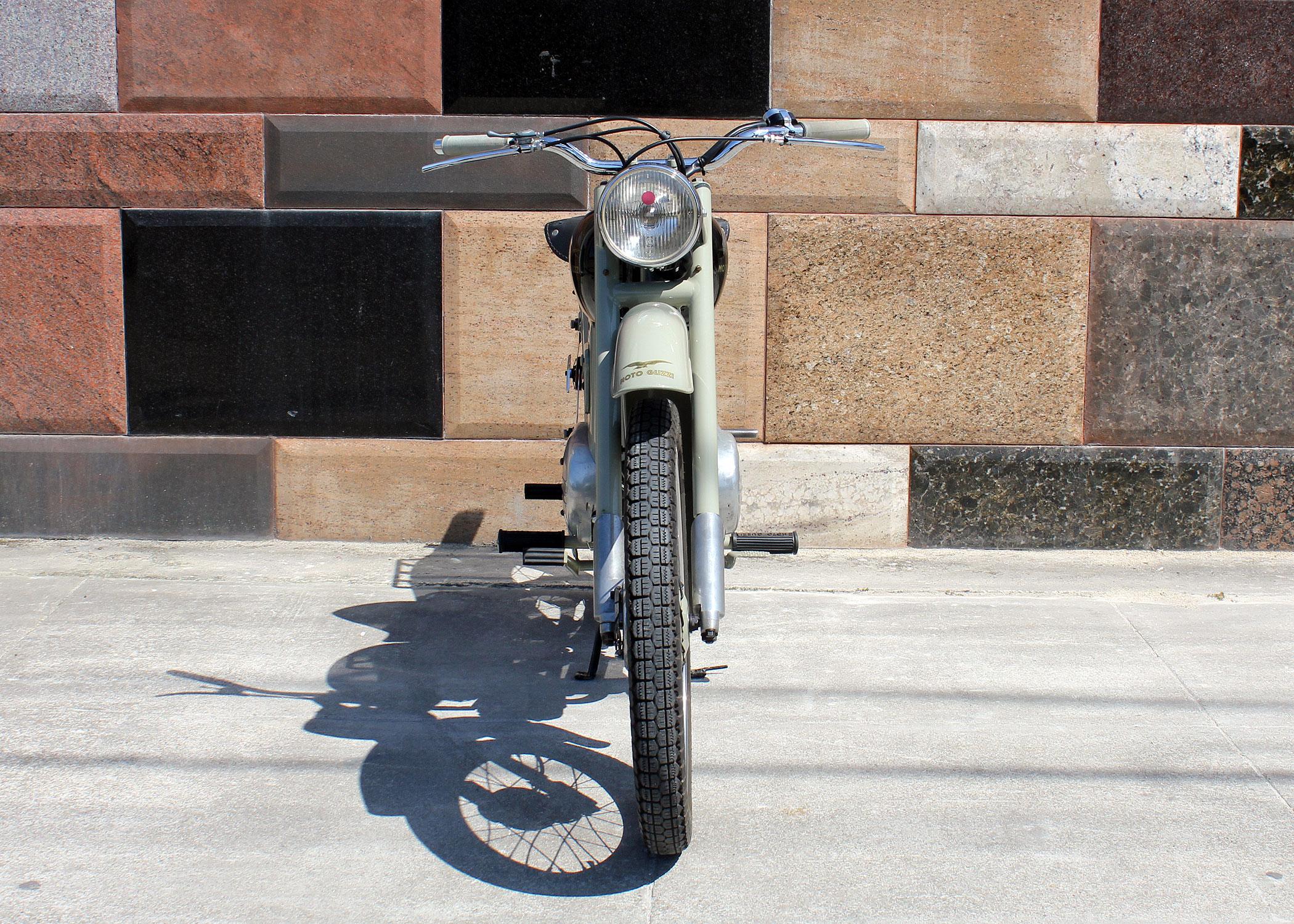 D198_MotoGuzzi_Zigolo_7.jpg
