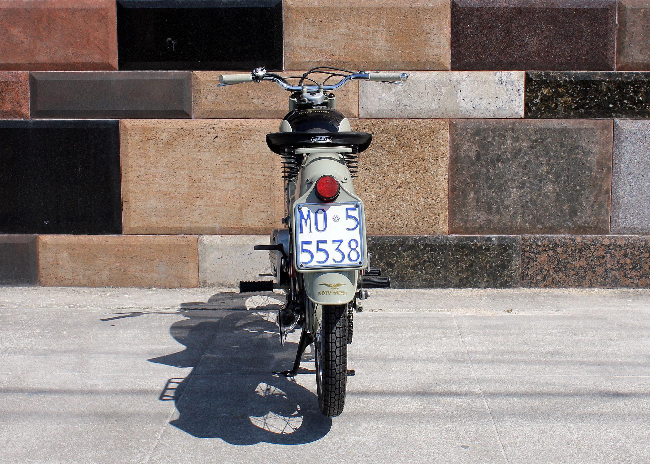 D198_MotoGuzzi_Zigolo_10.jpg