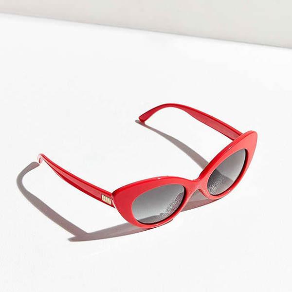 plastic-sunglasses-urban-outfitters.jpg