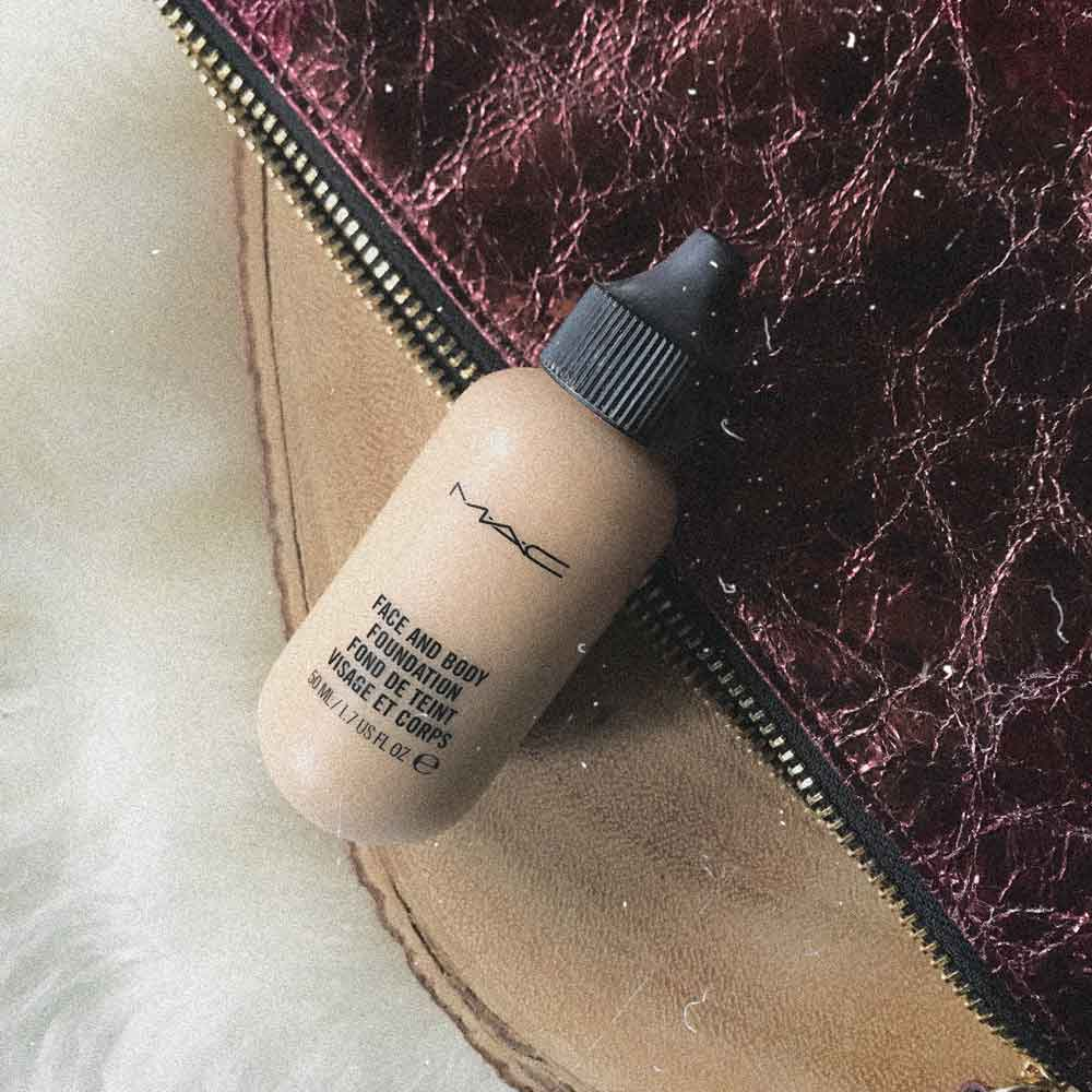pack-travel-9-makeup-items-mac-face-body.jpg