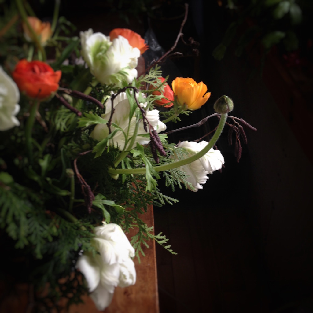 Winter forest-themed table flowers