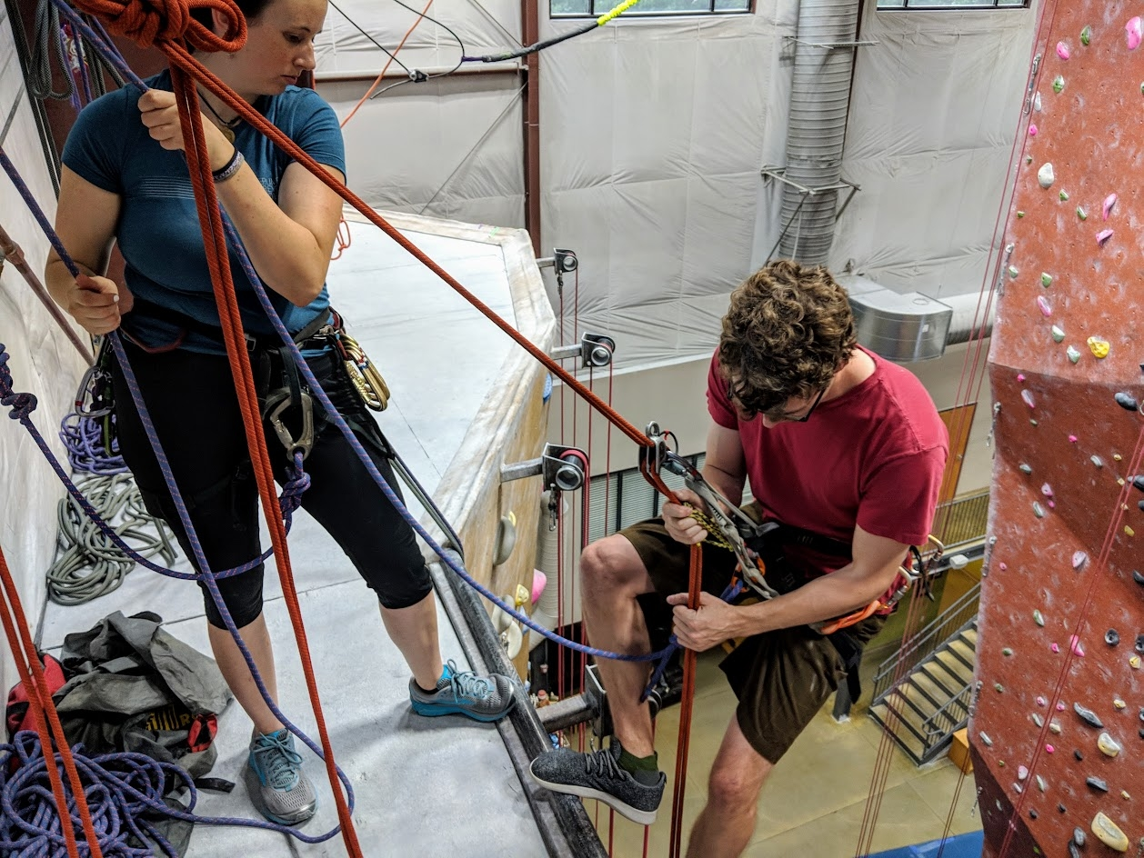 rappelling-best-practices-photo.jpg