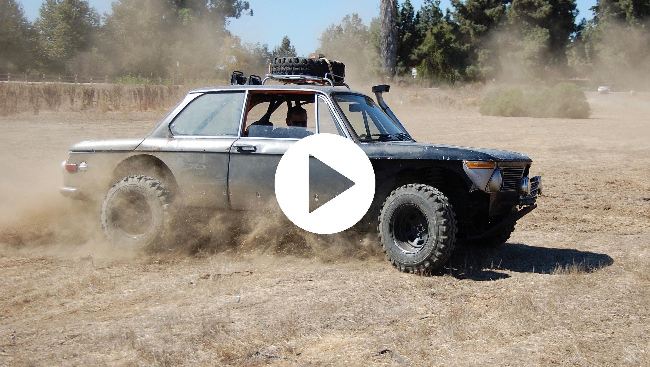 PLAY 1972-BMW-2002.jpg