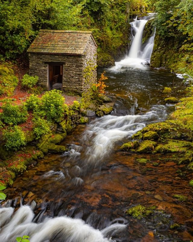 Second image from Rydal Hall, a little gem tucked away in the Rothay valley. But this gem also holds another little gem, within Rydal halls landscaped gardens hides the Grot, built in 1668 it was designed as a place to frame and enjoy the spectacular Rydal Falls.  #thelakelanders #photosofbritain #lovegreatbritain #everything_imaginable #capturingbritain #britains_talent #ukshots #fingerprintofgod #gottalove_a_ #awesome_earthpix #fiftyshades_of_nature #osmaps #ukpotd #country_features #scenicbritain #fromlakelandwithlove #renegade_rural #thelakelanders #landscapephotography #nature_perfection #visualsofbritain #igerscumbria #lakedistrict