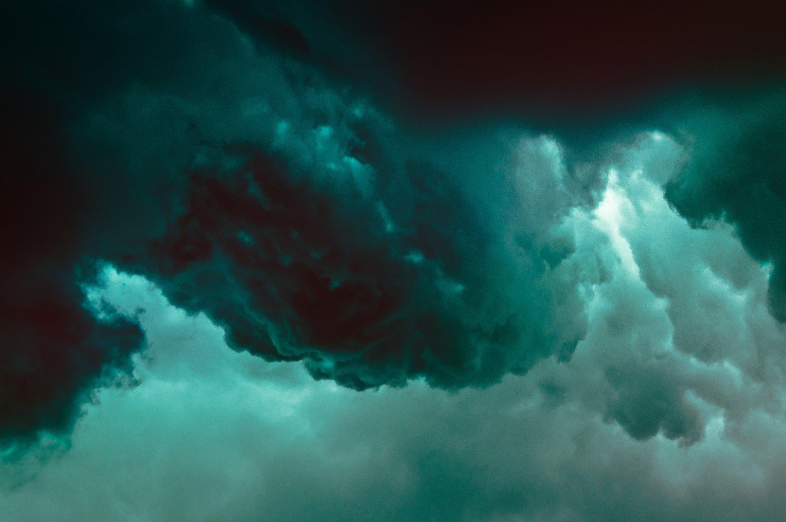 jaw-brew-green-brewing-clouds.jpg