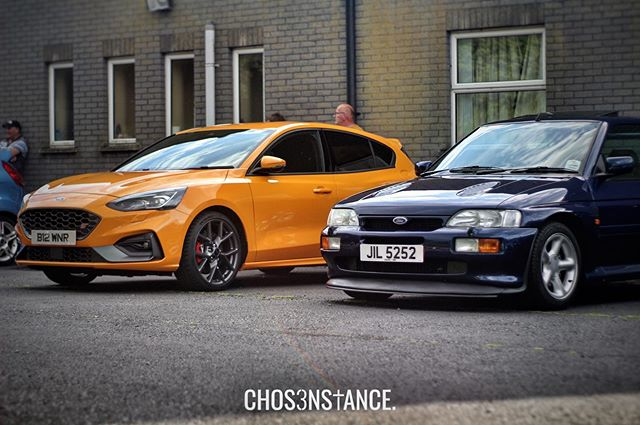 New meets old 🔶🔷 - What do you guys think of the new Focus ST? - #ChosenStance #FordFocusST #FordFocus #FocusST #FordEscortRSCosworth #escortrs #rscosworth #fordescort #fastford #fordgeeks #fordescape #focusstowners #fordescape #stownersclub #stancenation #ukcars #carlifestyle #rsfocus #fordrs #irishcarscene #carspottingireland #carcultureuk #ukcarscene #petrolhead #magherallyandannaclone #fordownersclub #fordfocusrsowners #fastcars #carsandcoffee
