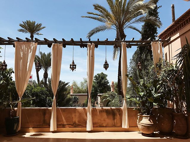 Returned from a lovely retreat in Marrakech with @zenluxurytravels ☀️🌴 • • • • • #stasia#stasiacouture#styleoftheday#stylegram#style#trends#trends2019#prom#wedding#silk#lace#handmade#custommade#fashion#bespokefashion#copenhagen#closeup#flatlayfashion#moodboard#fashioninspo#fashiondiaries#zenluxurytravels