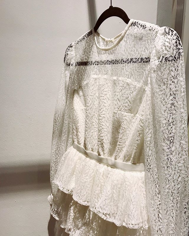 Ruffles and laces ⚪️ • • • • • #stasia#stasiacouture#styleoftheday#stylegram#style#trends#trends2019#prom#wedding#silk#lace#handmade#custommade#fashion#bespokefashion#copenhagen#closeup#flatlayfashion#moodboard#fashioninspo#fashiondiaries