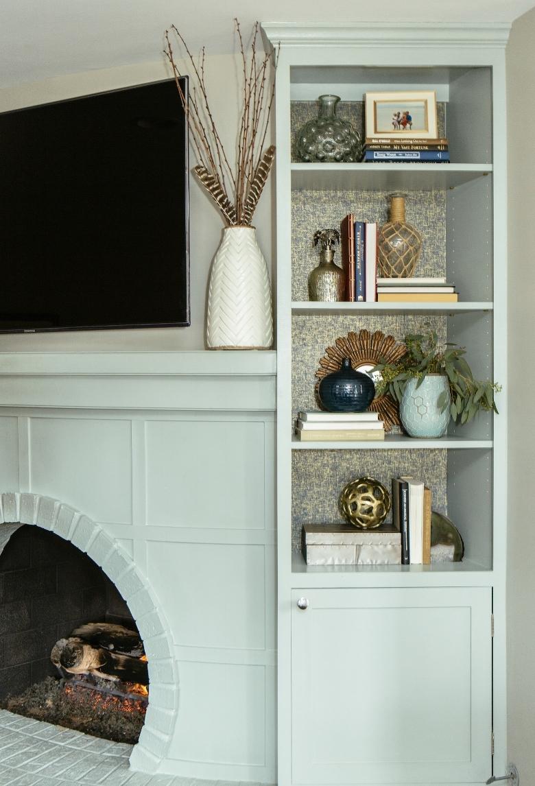 Fireplace built ins