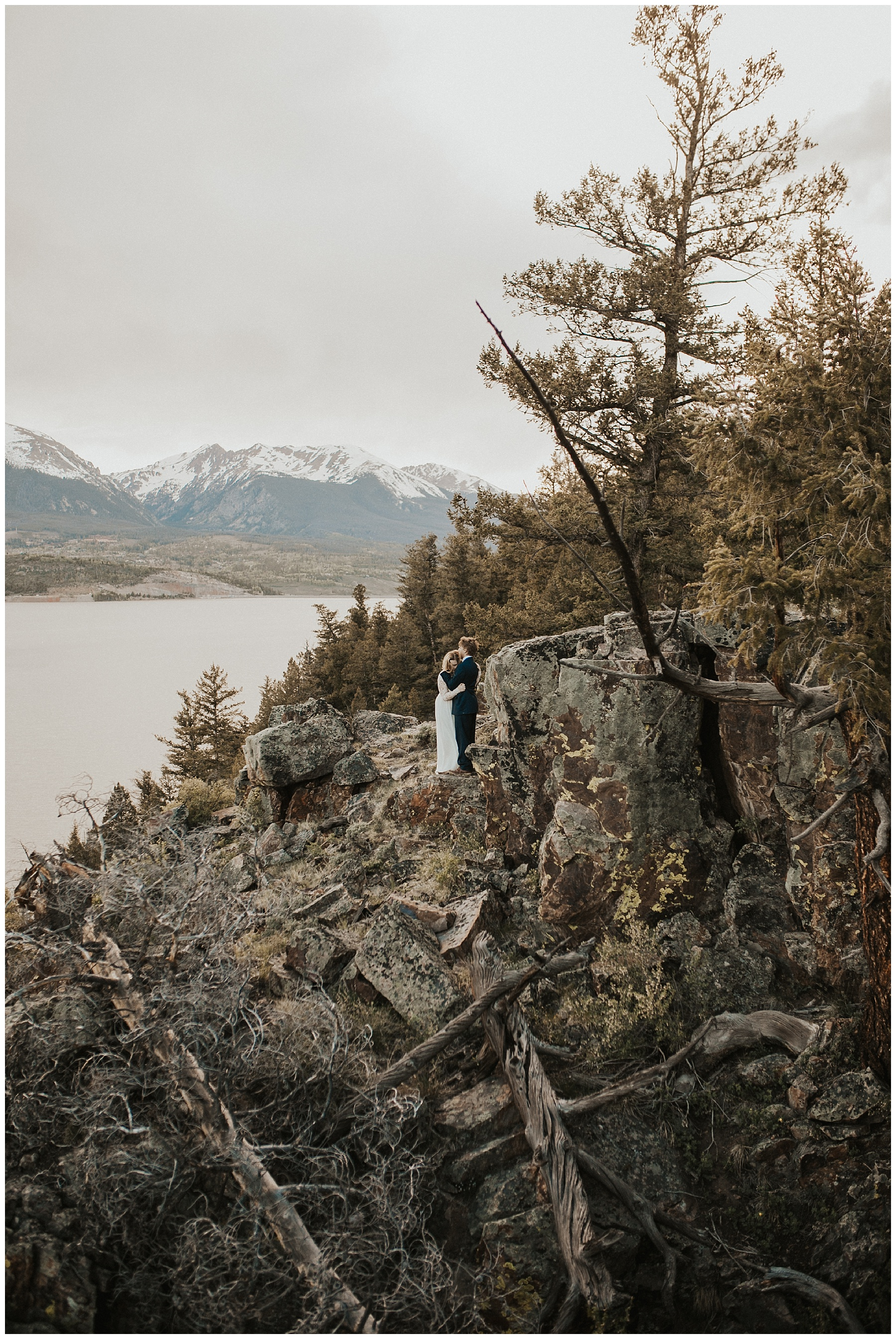ColoradoWeddingMountainElopement45.jpg