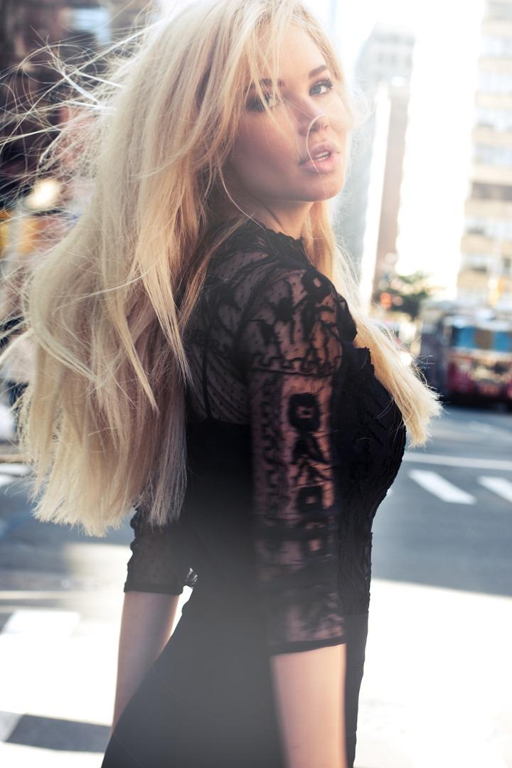 Nea-McLin-Fashion-Model.jpg