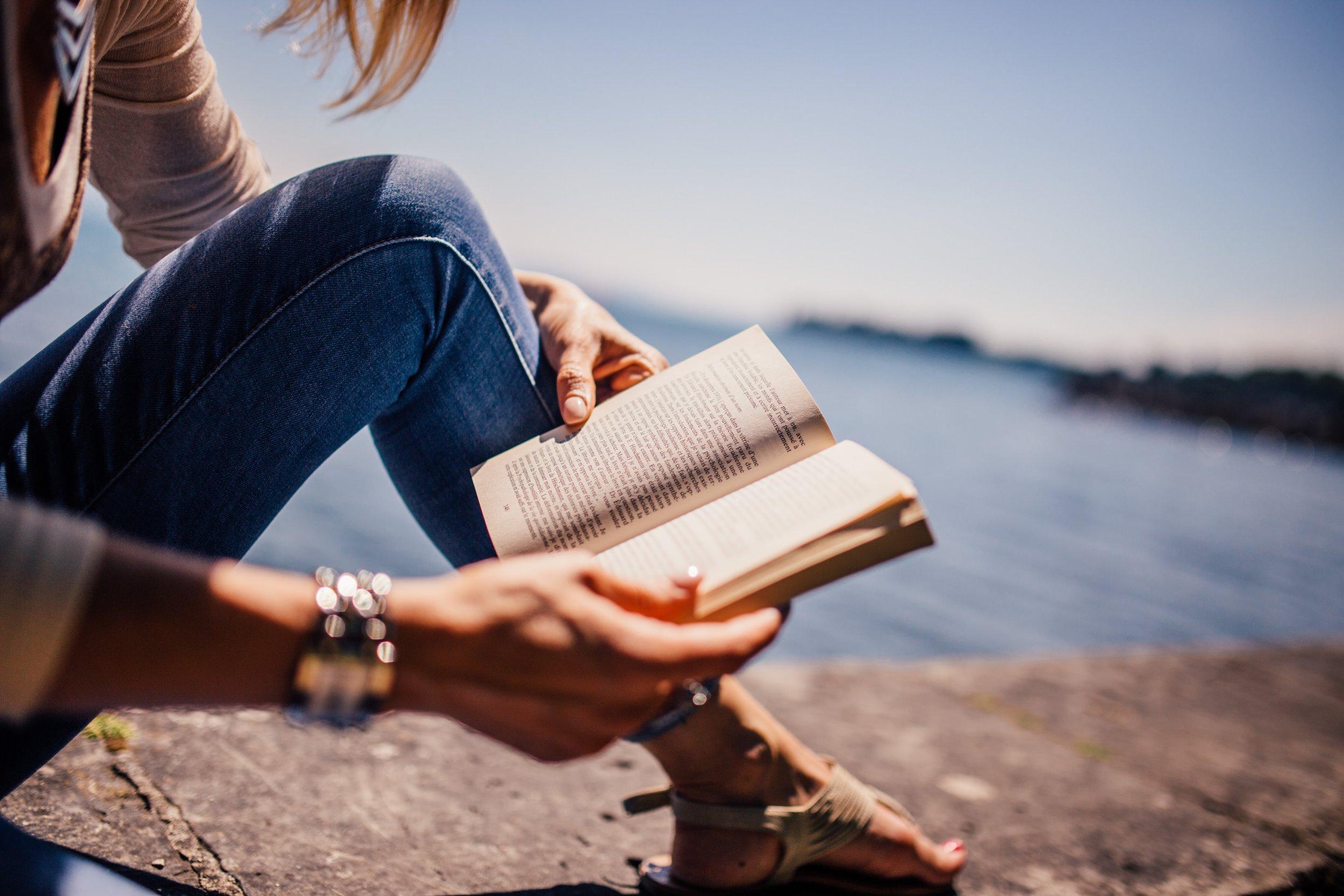negative-space-woman-reading-book.jpg