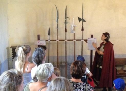 Maniez les armes avec étienne de Poisieu - ... pour apprendre l'art de combattre au Moyen-Âge