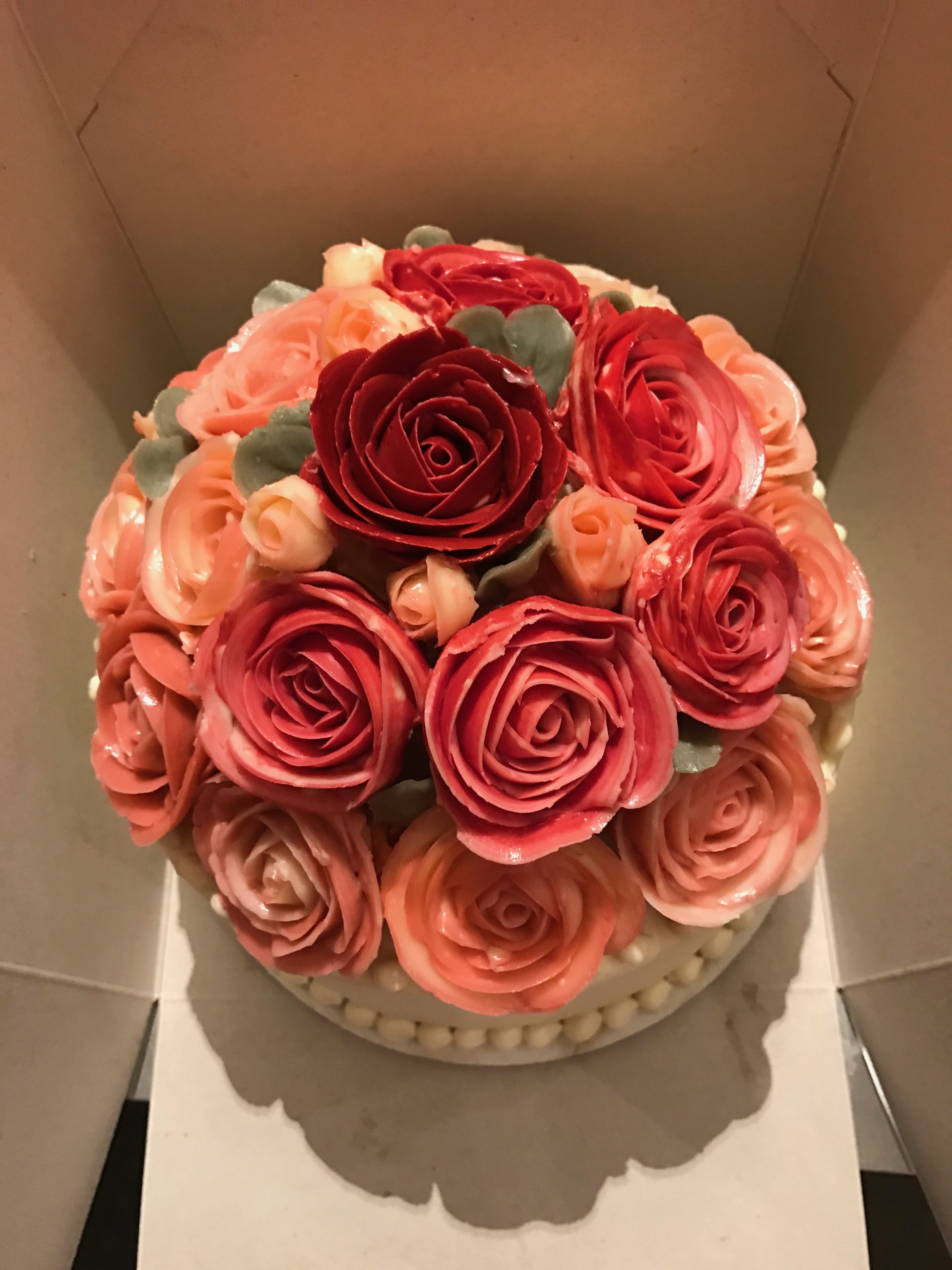 Custom red and pink full bouquet