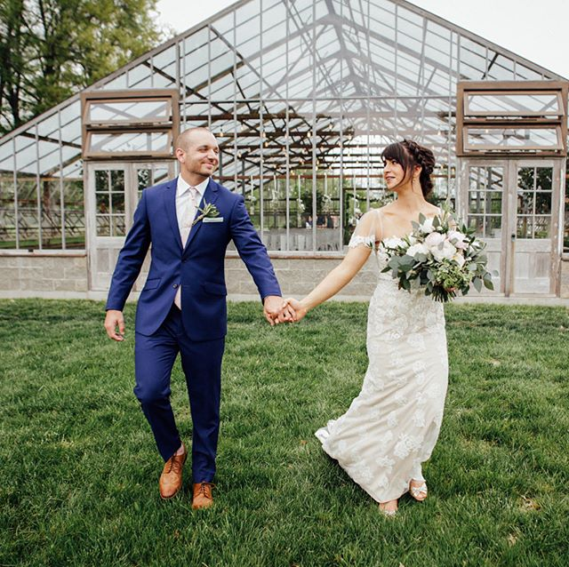 Since I don't much advertise that I shoot weddings, I mostly shoot them for old friends. I had a great time at Josh and Stephanie's New Albany wedding this weekend. Congratulations, guys!