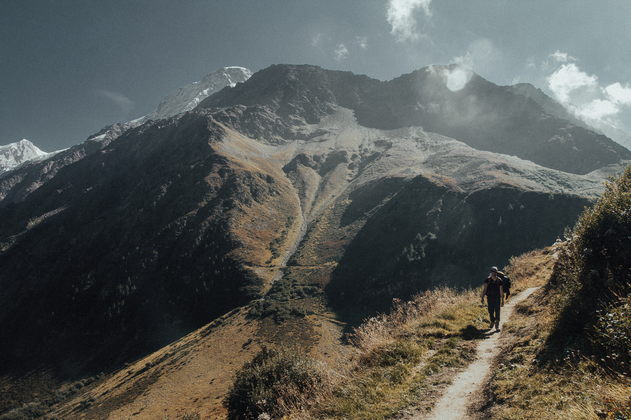 Destination-wedding-photographer-mountains-michal-brzegowy-2.jpg