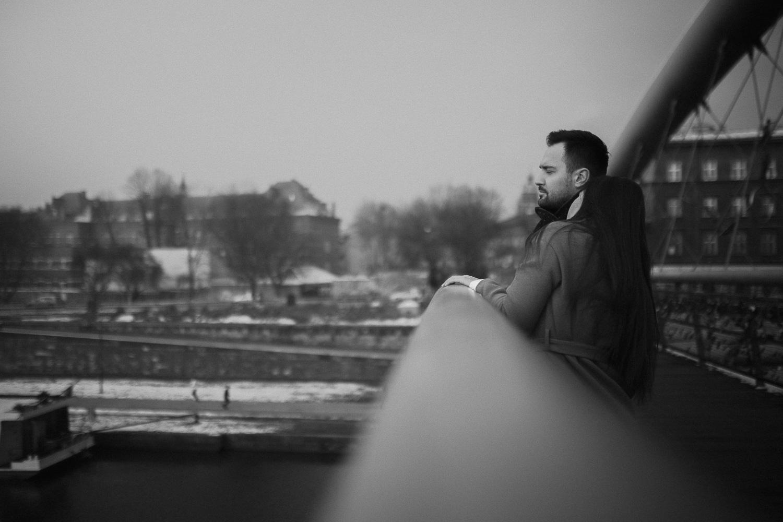 Destination-wedding-photographer-michal-brzegowy-winter-engagement-9.jpg