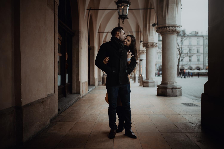Destination-wedding-photographer-michal-brzegowy-winter-engagement-62.jpg