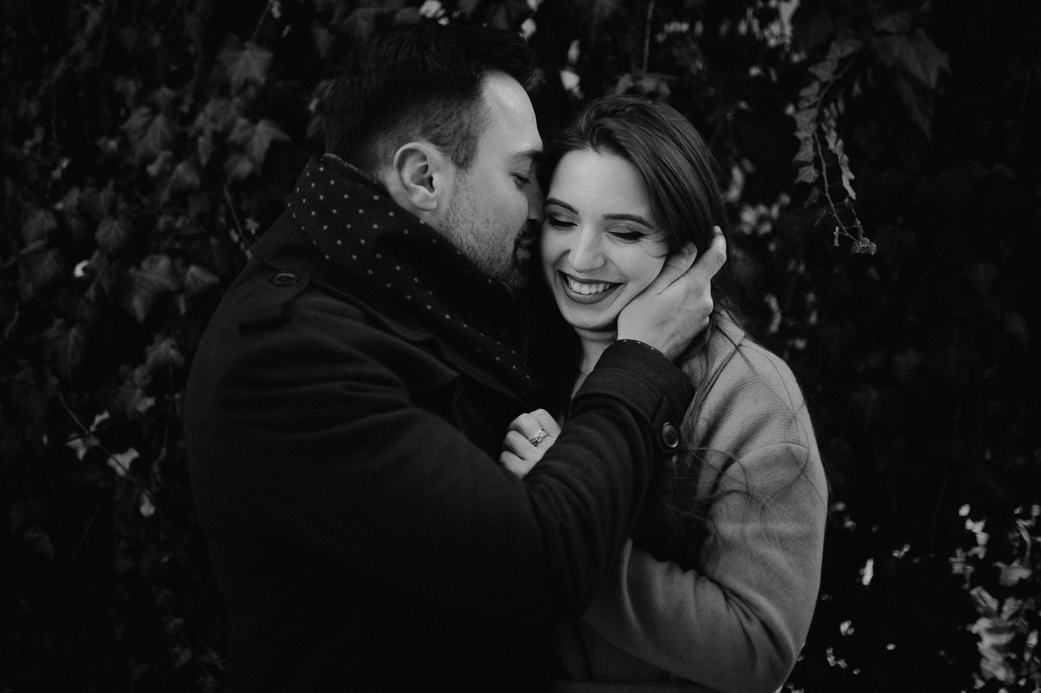 couple-engagement-photoshoot-winter-1.jpg