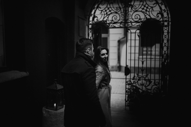 Destination-wedding-photographer-michal-brzegowy-winter-engagement-70.jpg