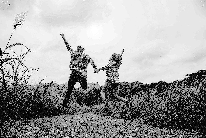 Jumping-couple.jpg
